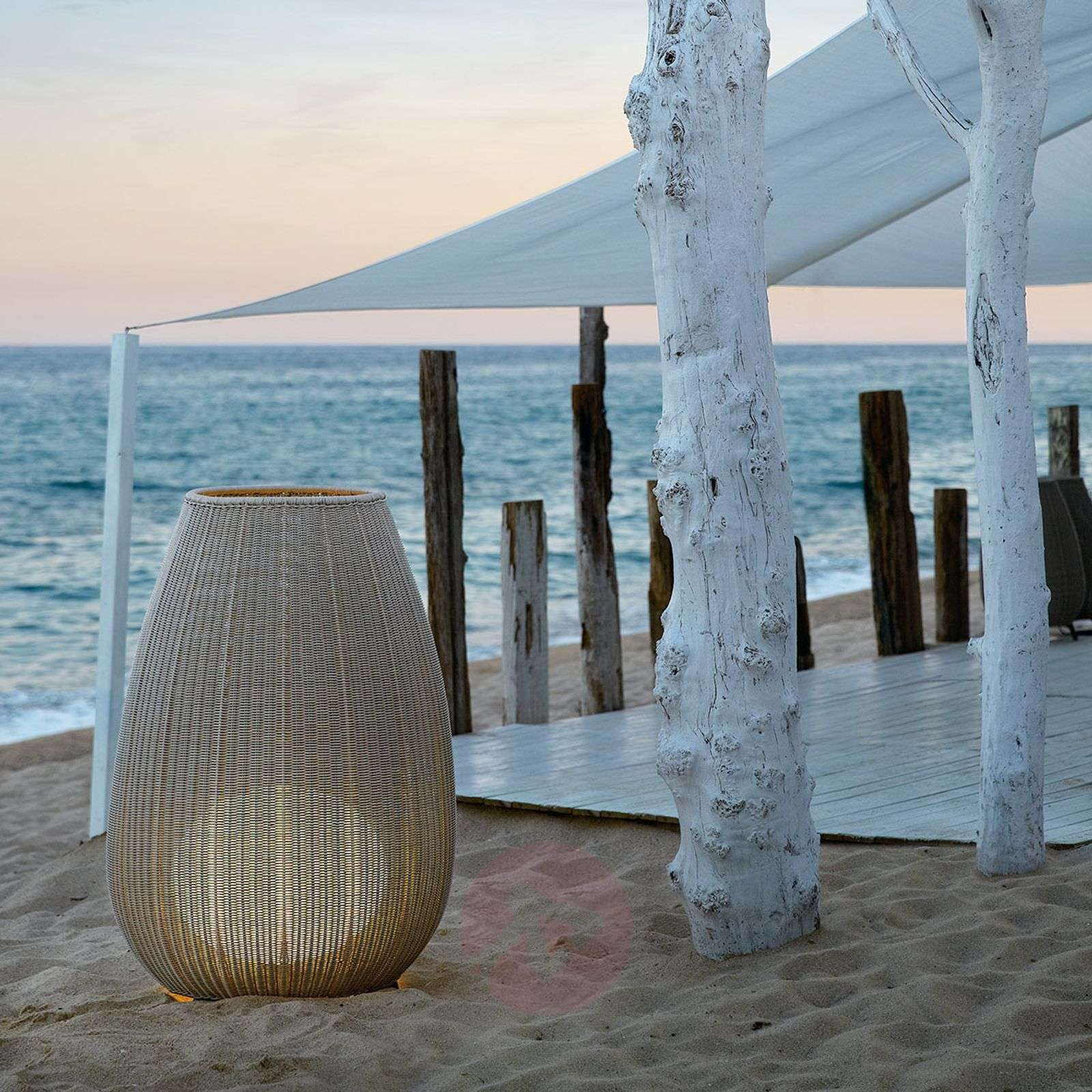 bover amphora lampe pour terrasse en rotin. Black Bedroom Furniture Sets. Home Design Ideas