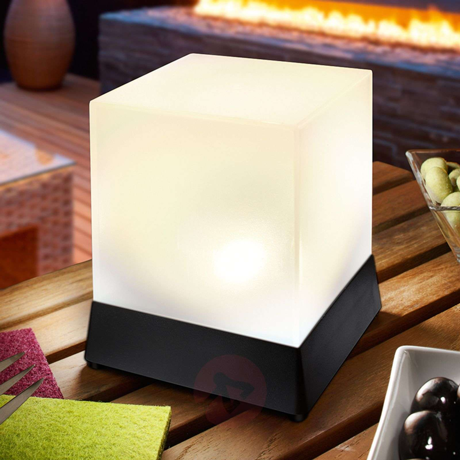 lampe poser led solaire cubique cube. Black Bedroom Furniture Sets. Home Design Ideas