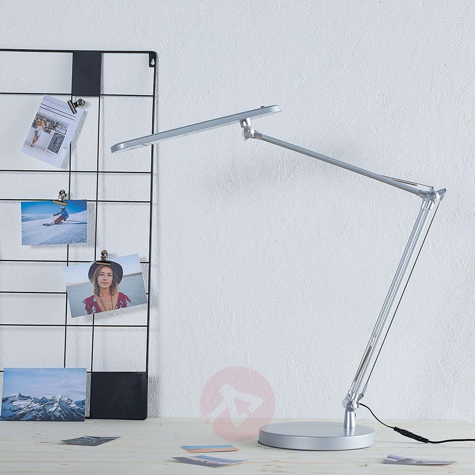 lampe de bureau led fino r glable. Black Bedroom Furniture Sets. Home Design Ideas