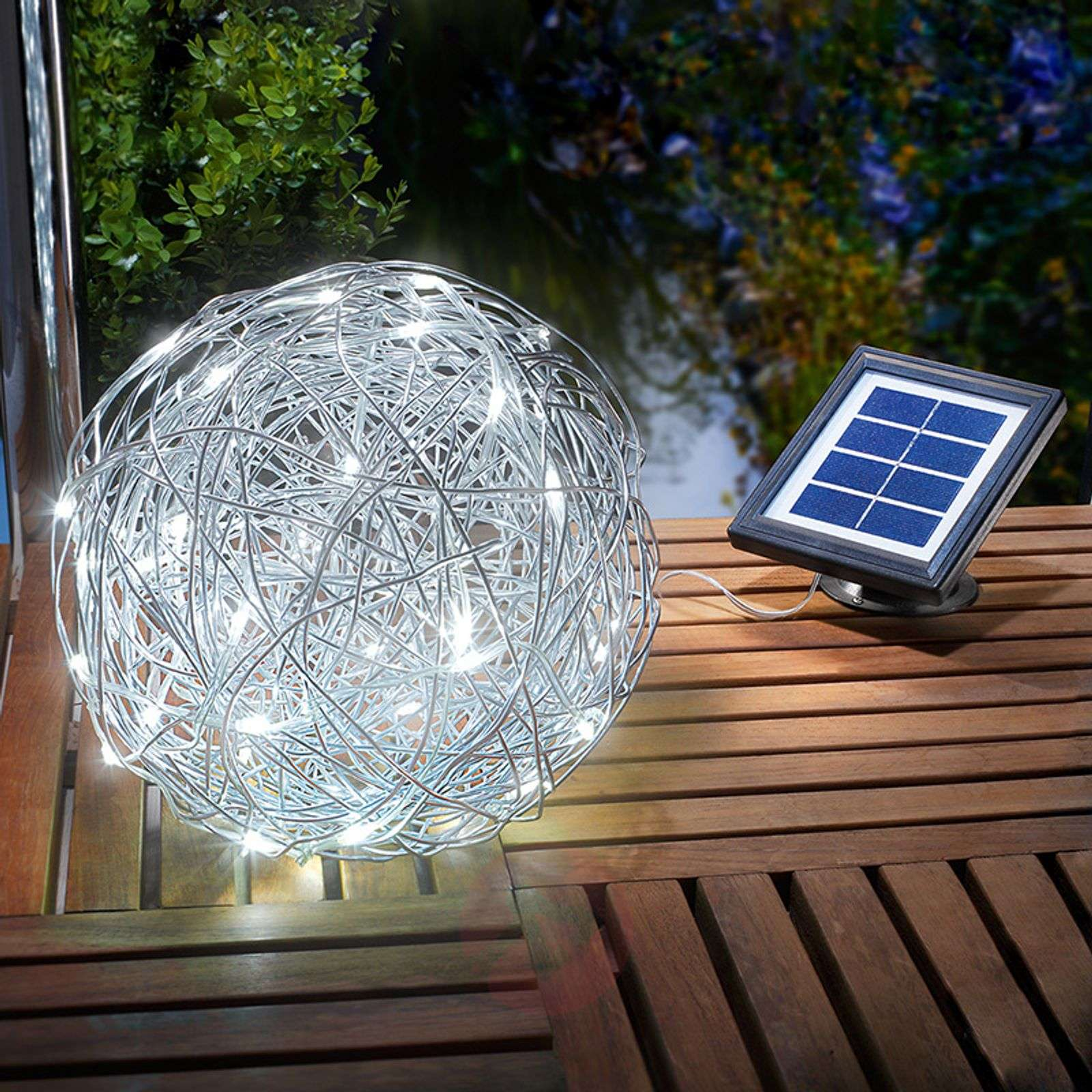 lampe d ext rieur led solaire alu wireball. Black Bedroom Furniture Sets. Home Design Ideas