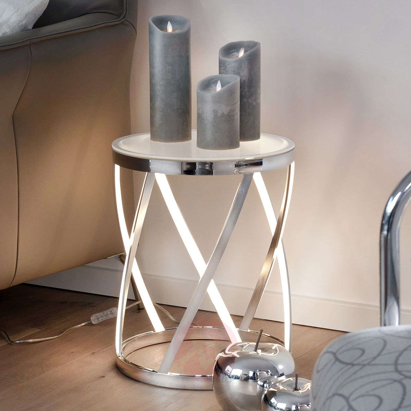Source lumineuse et table d'appoint Rumpu
