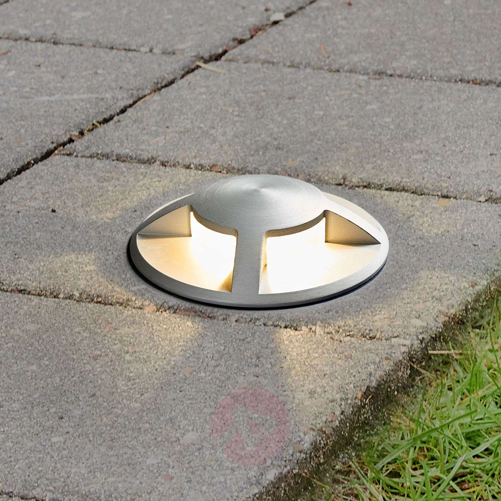Spot encastrable dans le sol led anina aluminium for Spot encastrable exterieur sol led