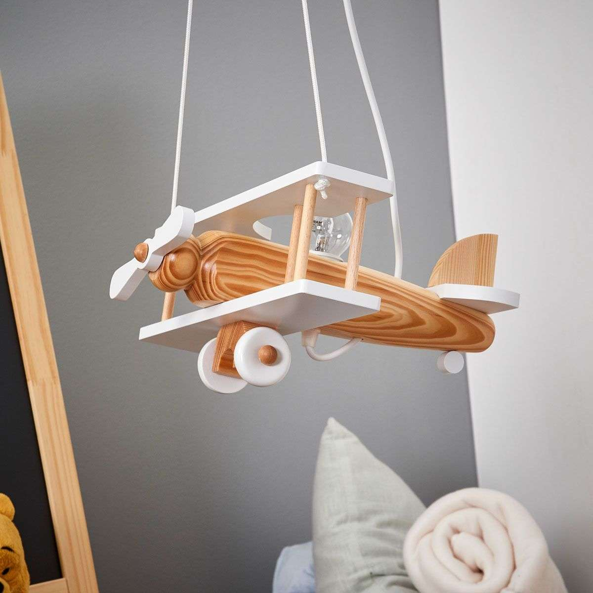 Suspension blanche avion en l ments de bois - Suspension blanche chambre ...