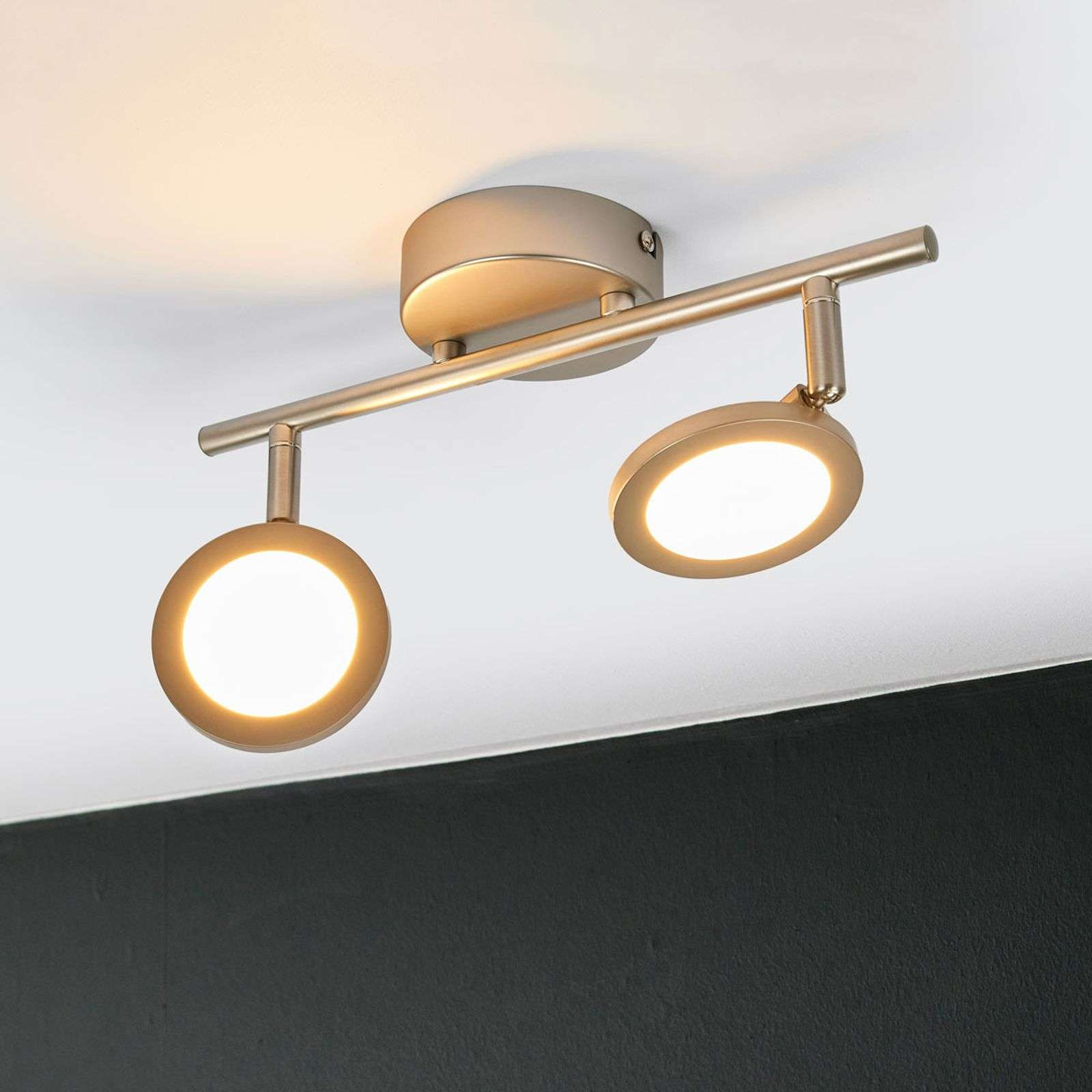 Plafonnier LED couleur nickel Helina