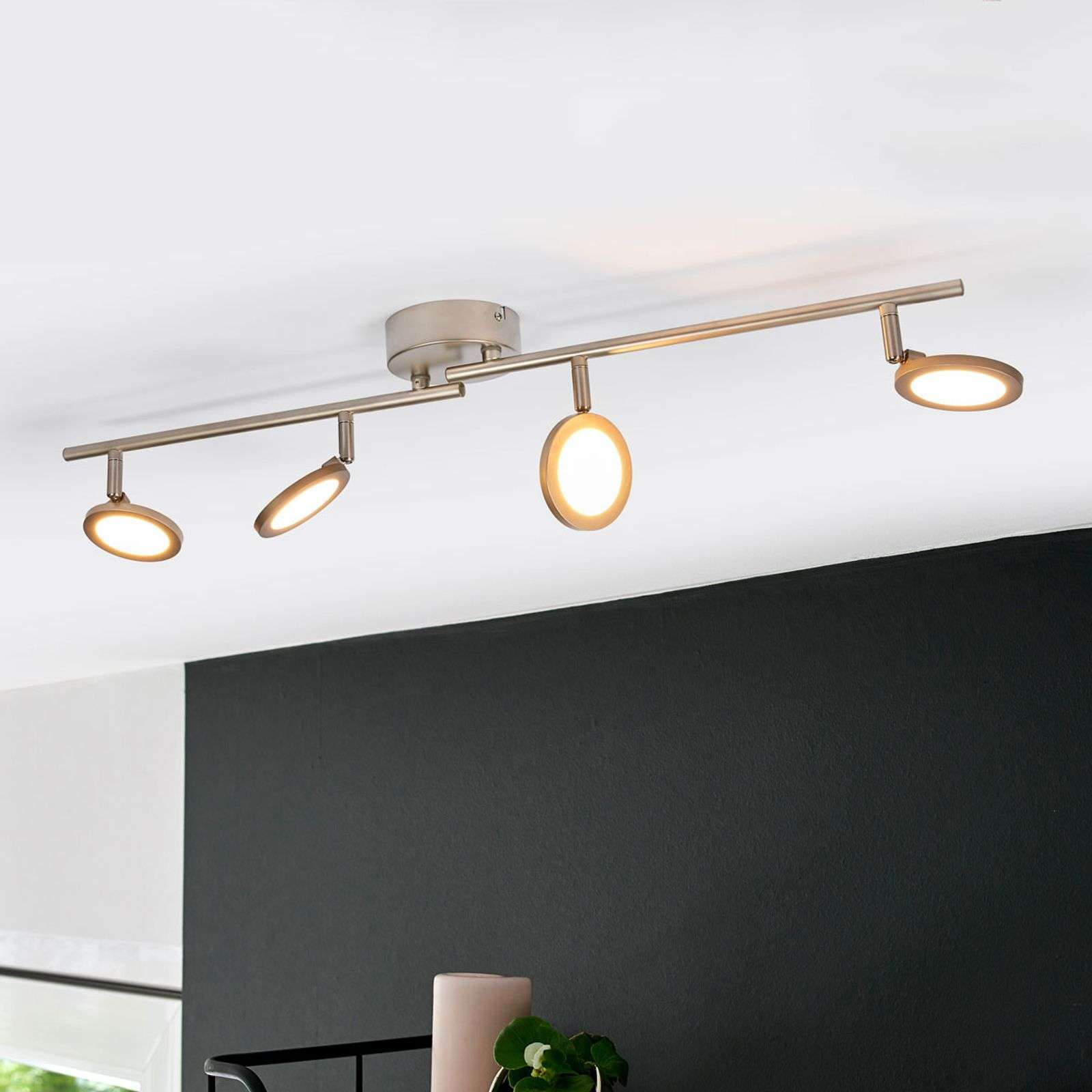 Plafonnier LED couleur nickel Helina, à 4 lampes