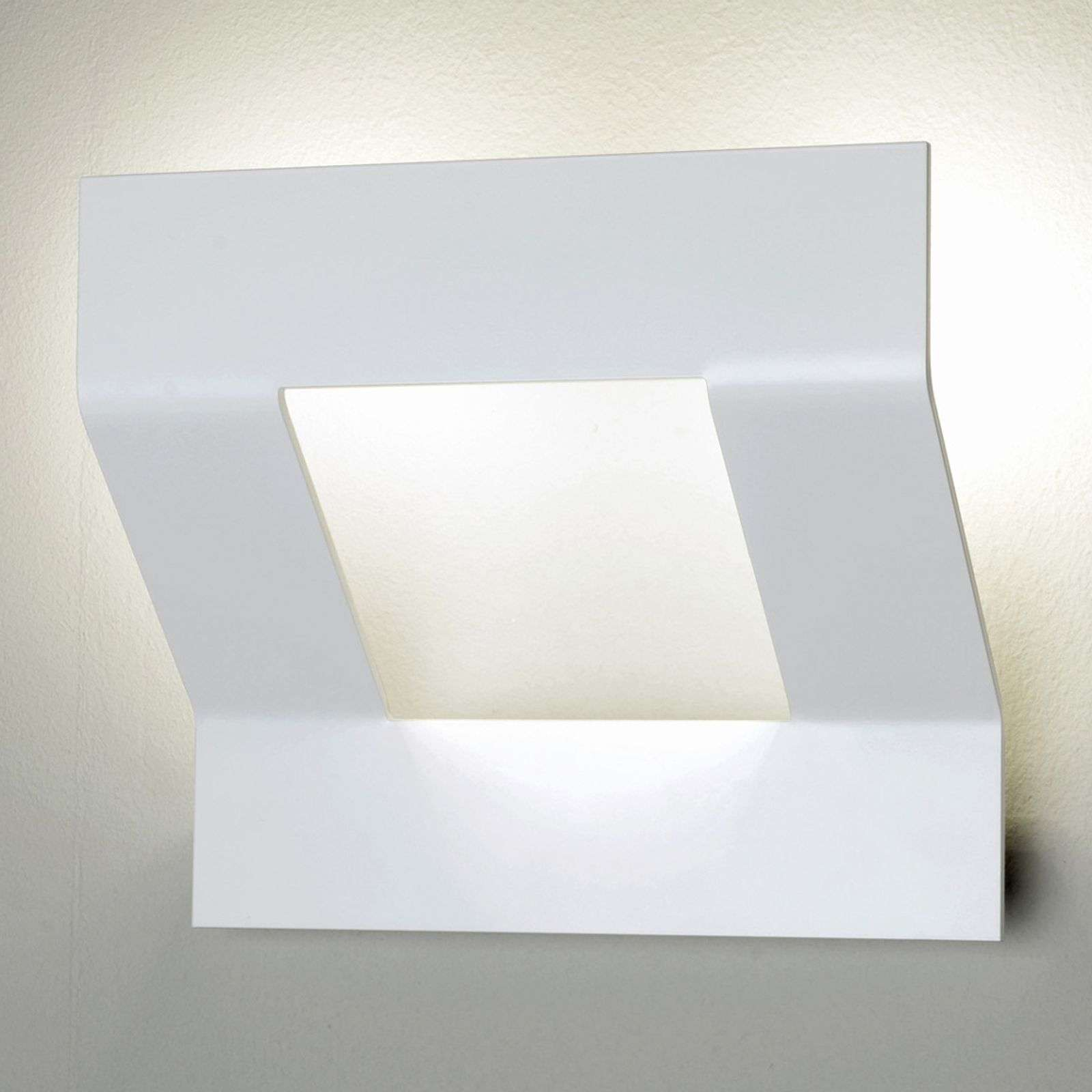 Applique LED Whizz, au design soigné