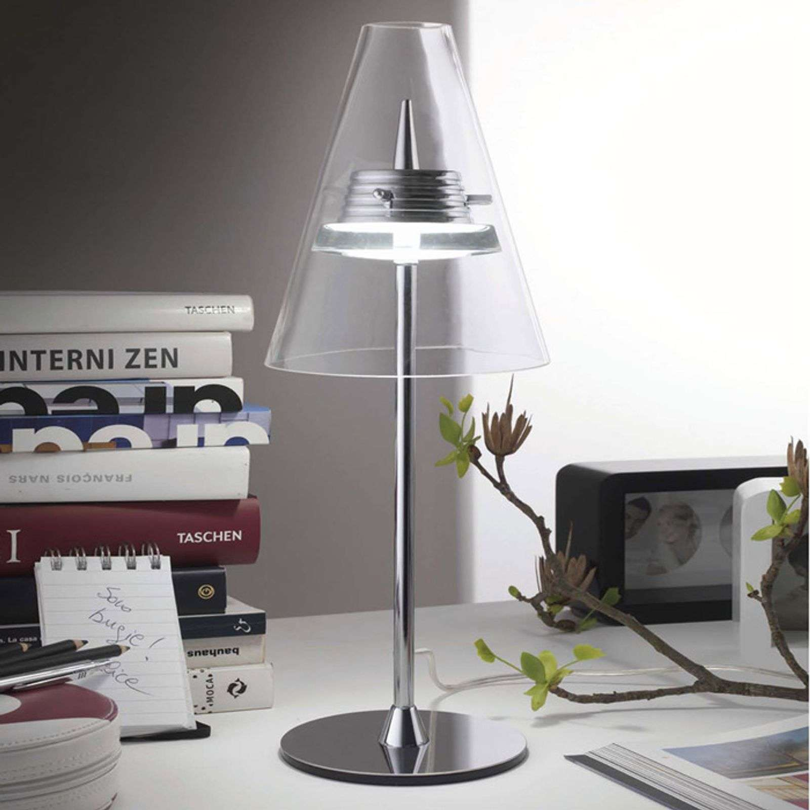 Lampe à poser LED Caprina au design attrayant