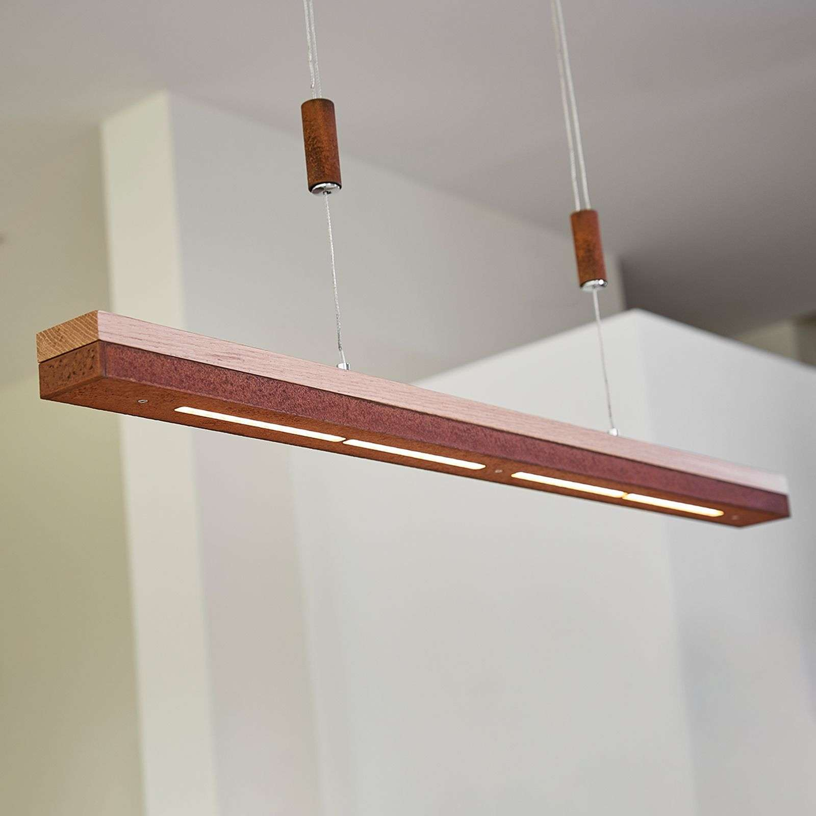 Suspension LED Elna en rouille et bois, 78 cm