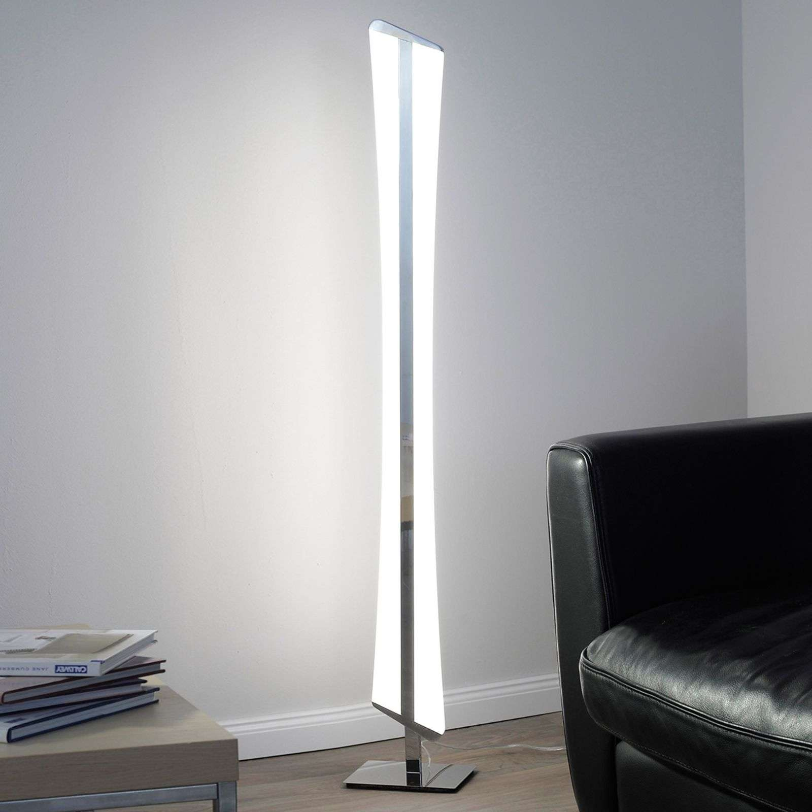 Lampadaire LED Riller contrôlable via application