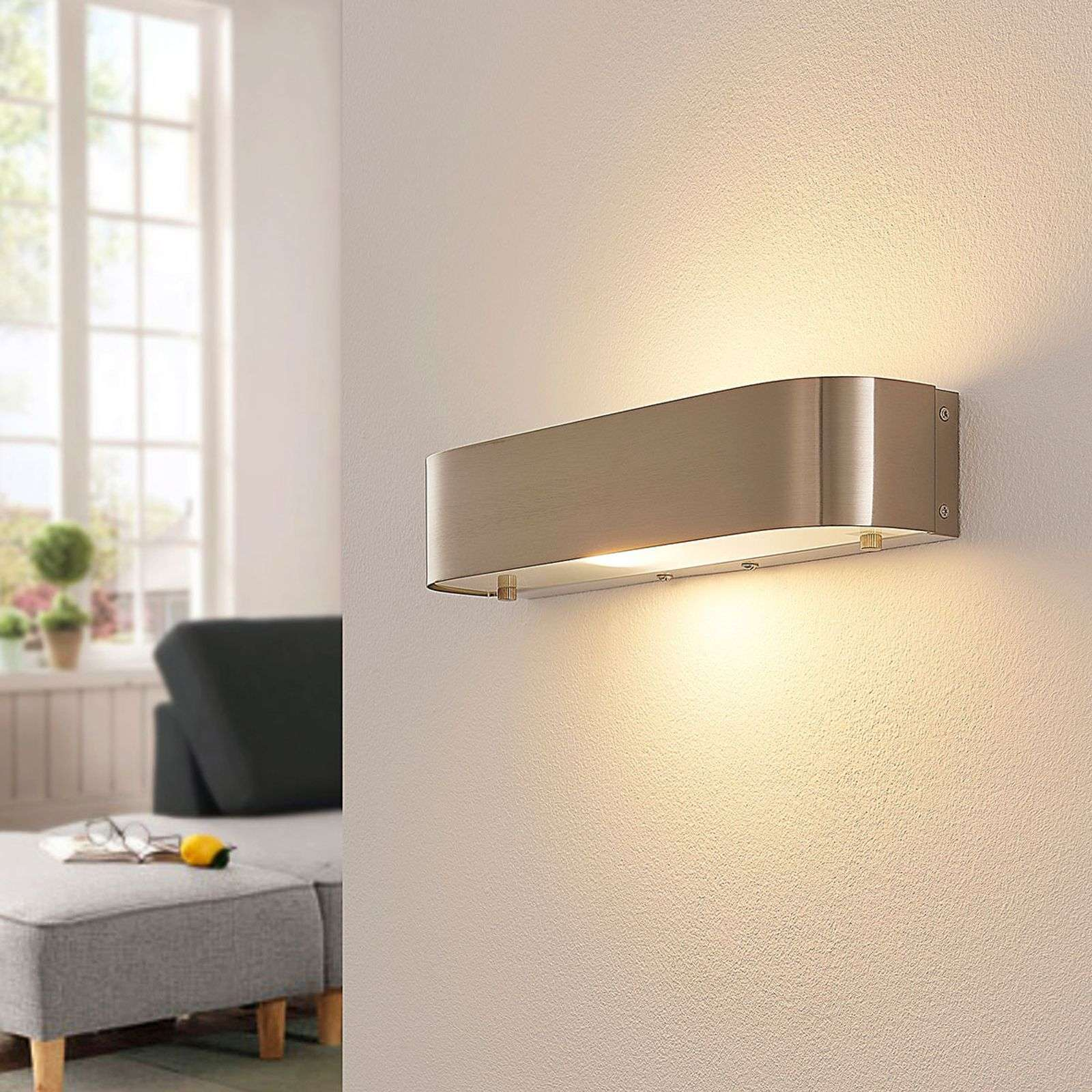 Applique LED élégante Nika, nickel mat