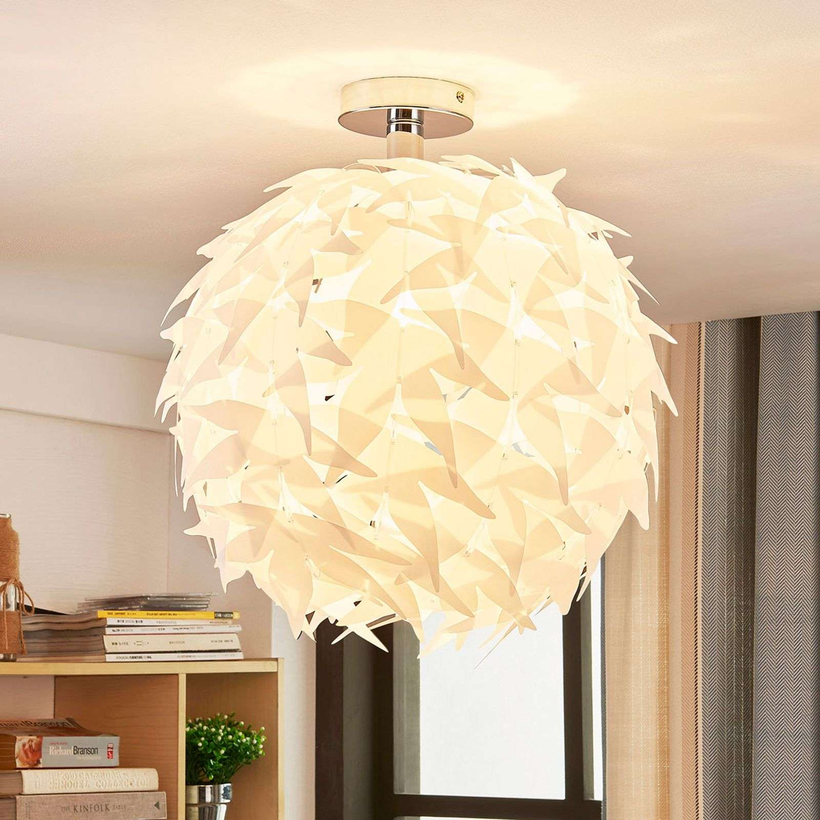 Suspension blanche Corin au look tendance