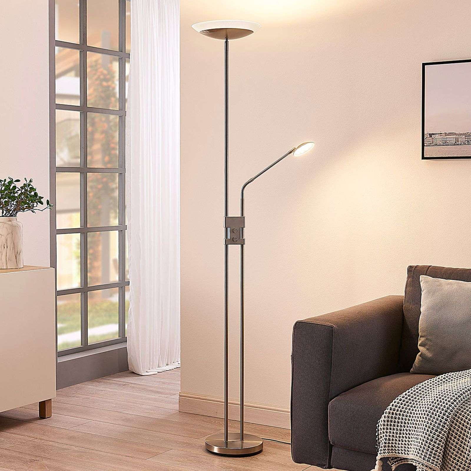 Lampadaire à éclairage indirect LED Jonne