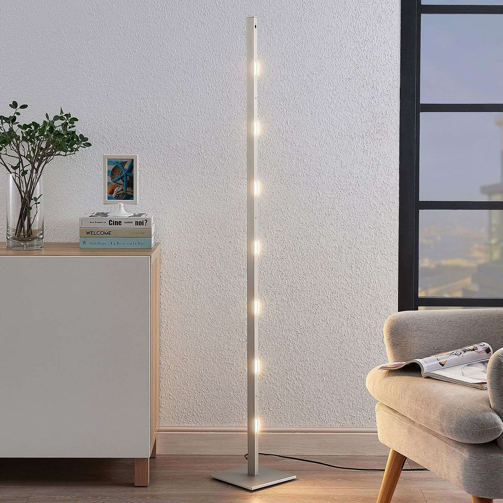 Lampadaire LED Margeau en nickel, dimmable