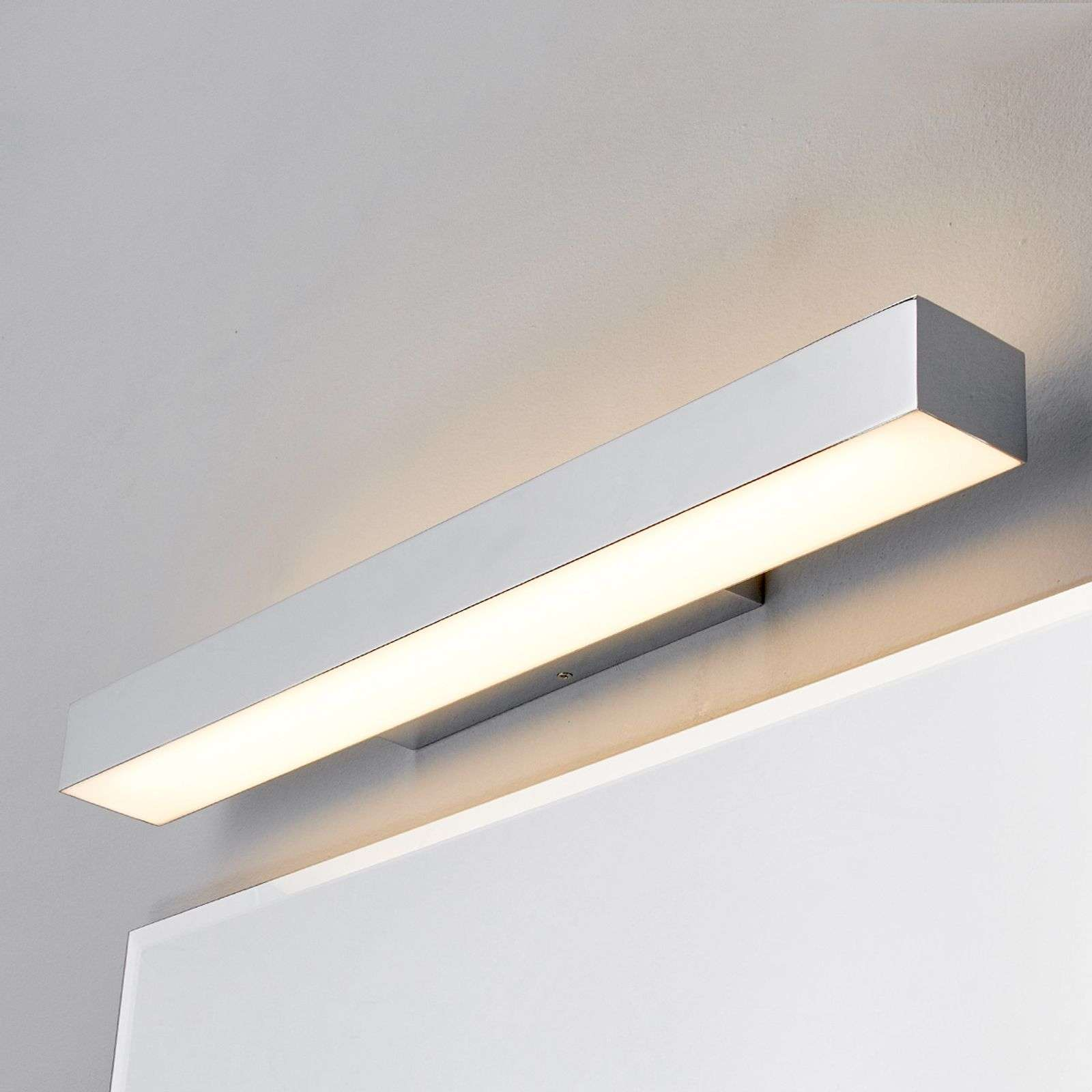 Applique LED Kiana aspect chromé