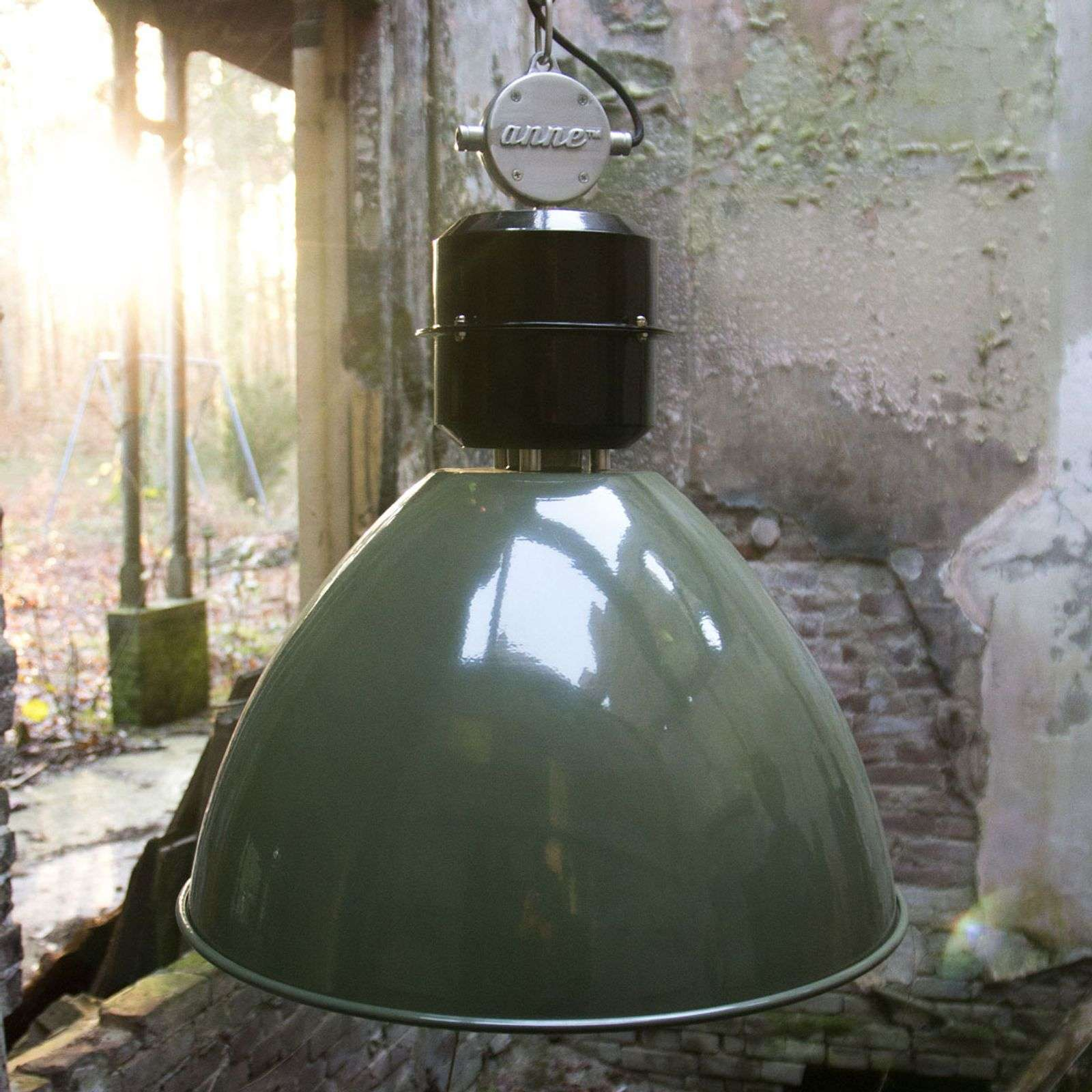Suspension vert olive Frisk en design industriel