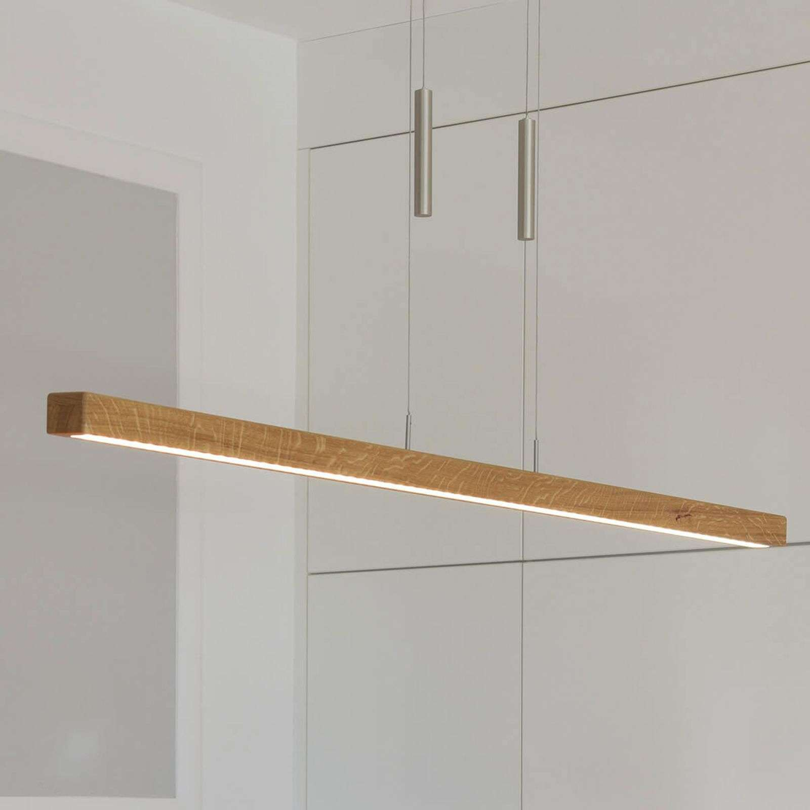 Suspension LED Leonora dimmable en bois massif