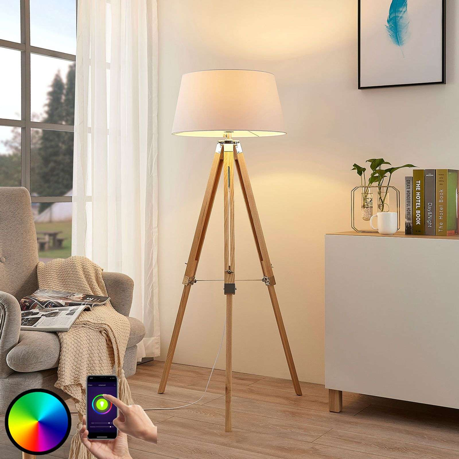 Lampadaire LED Alessa trépied, RVB et application