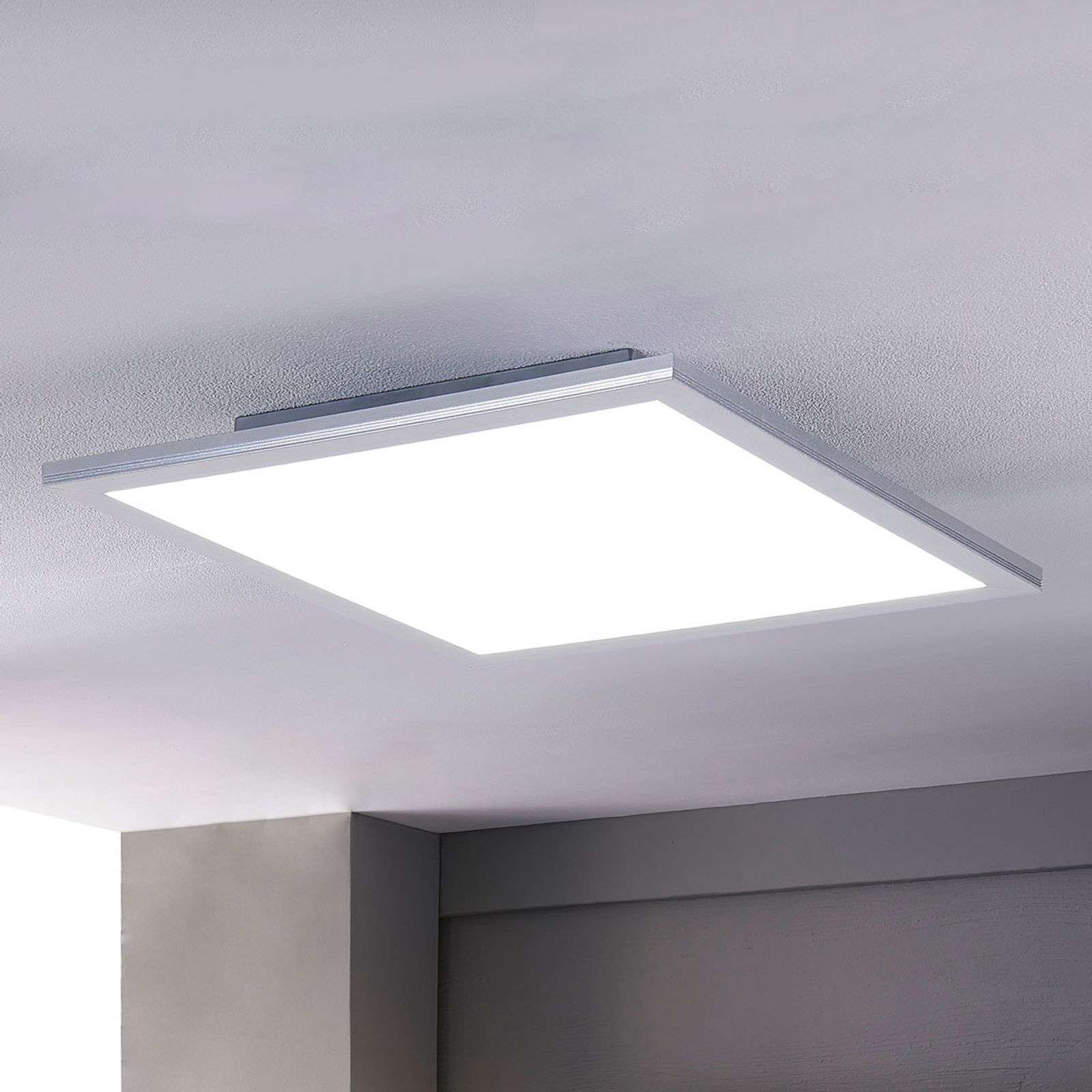 Plafonnier LED lumineux Liv, à intensité variable